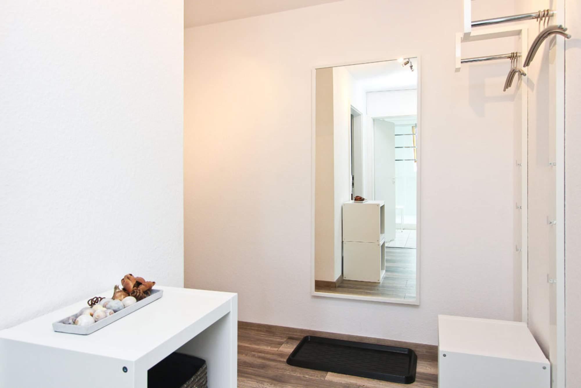 die wohnung tymmendroper t rmchen. Black Bedroom Furniture Sets. Home Design Ideas